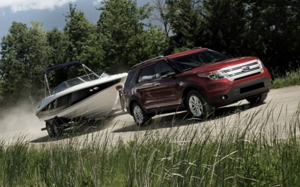 A front-wheel drive vehicle can get the job done, depending on the numbers, but rear-wheel drive gets a traction assist from the trailer tongue weight -- and four-wheel or all-wheel drive will do best of all.
