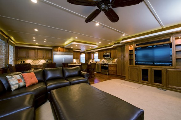 This may not be a superyacht, but Bravada Yachts designs their houseboats to exhibit all the comforts of a luxury home. Photo credit: Bravada Yachts.