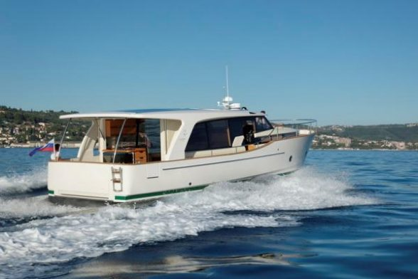 Hybrid And Electric Boats 2019 Guide Boat Trader Blog
