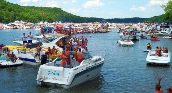 Searching for the ultimate party cove? Look no further than Party Cove on Lake of the Ozarks. Photo Courtesy: Lake Ozark Pics.
