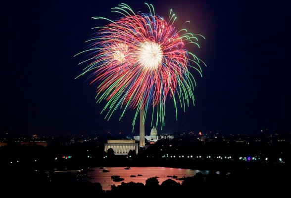 The Potomac River is an excellent spot to enjoy the Washington, D.C., July 4 fireworks from. Photo courtesy of National Park Service The Potomac River is an excellent spot to enjoy the Washington, D.C., July 4 fireworks from. Photo courtesy of National Park Service.