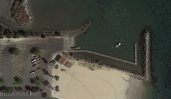 The Cabrillo Beach launch ramp has plenty of parking and offers direct access to Los Angeles Harbor. Photo courtesy of Google Earth.