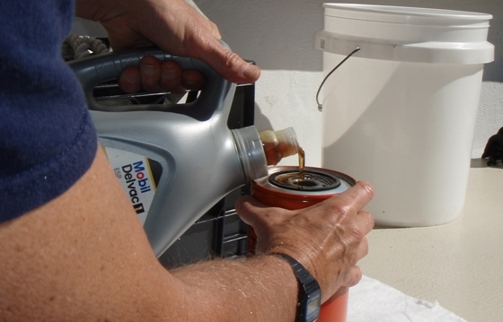 Marine Engine Oil: Synthetic or Conventional? | Boat Trader Blog