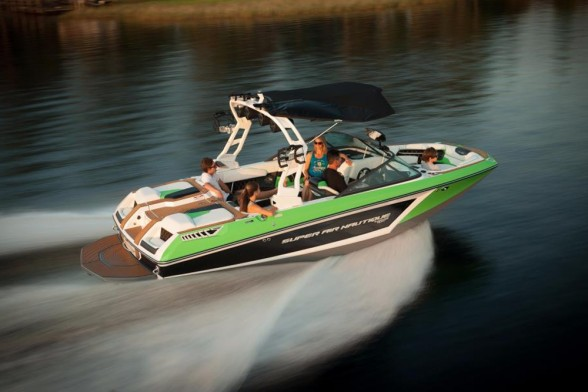 Wakesurfing is the current king of watersports, but many tow boat owners want more watersports options—and that's what the 2017 Super Air Nautique GS20 delivers.