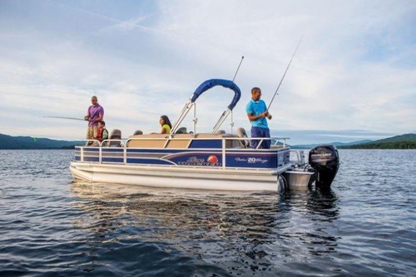This Sun Tracker Fishin' Barge 20 DLX has rod holder, livewells, fishing chairs, and more. Just add fish.