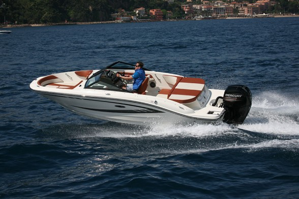 The bowrider remains the archetypal fair-weather family day boat.