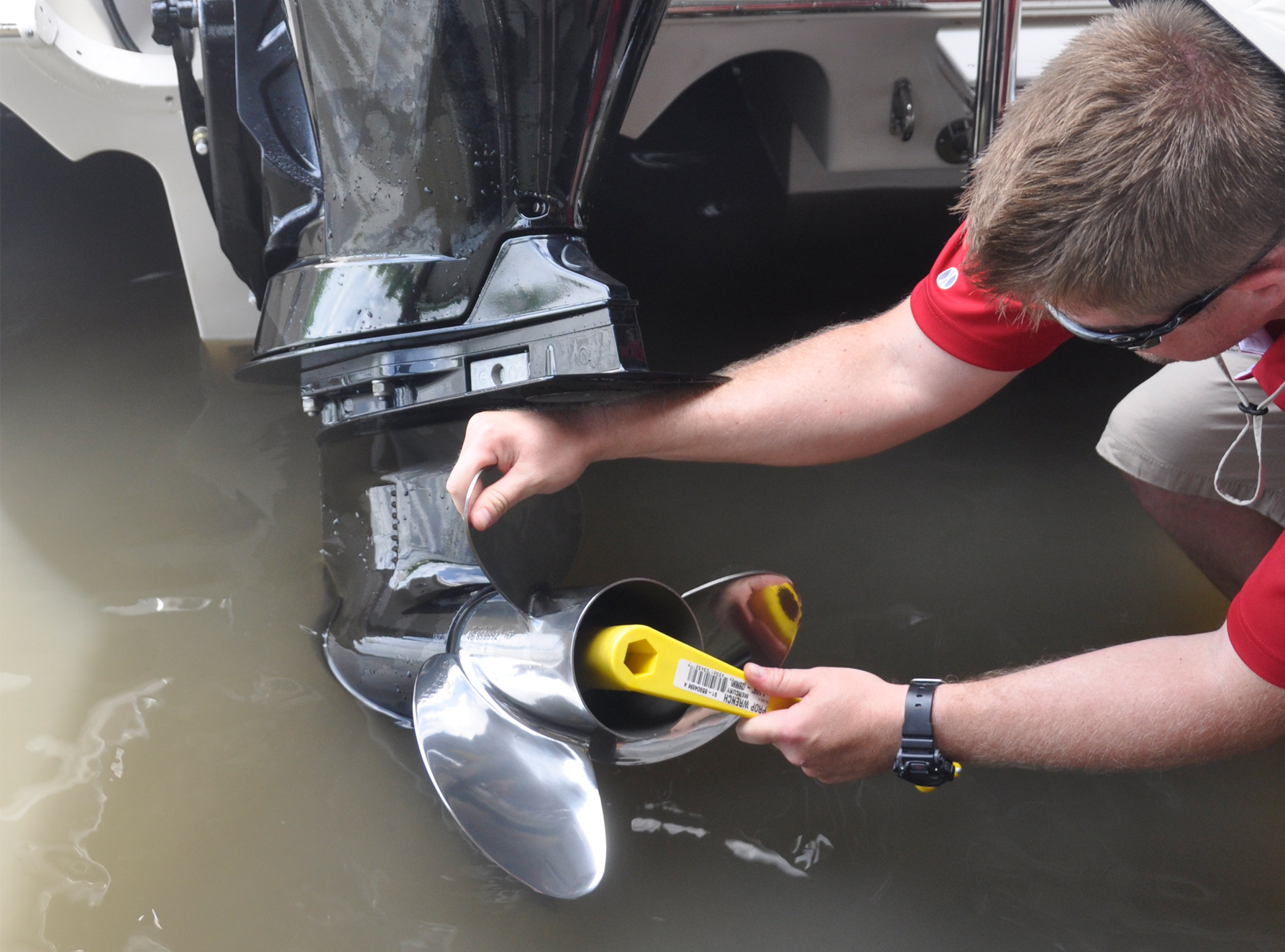 Replacing A Boat Propeller On An Outboard Engine