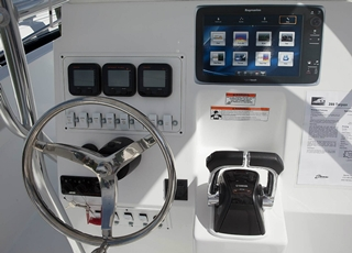 The dash on the 289 Tarpon offers plenty of room for electronics.