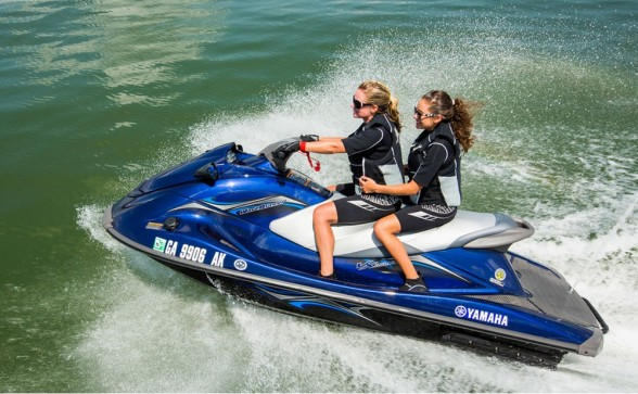 Following the industry trends, Yamaha released the RiDE system, assisting with slow-speed maneuvering.